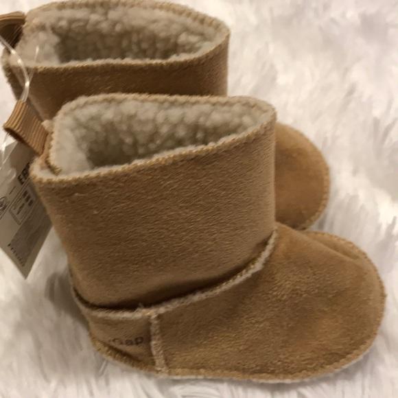 e732b0ff274 Baby Gap Fur UGG Style Boots NWT